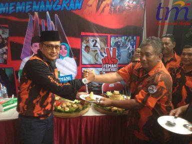 Andy Soebjakto (Kiri) dan ketua PP Didik Hariadi Santoso (Kanan) deklarasi Pemenangan Paslon ASRII