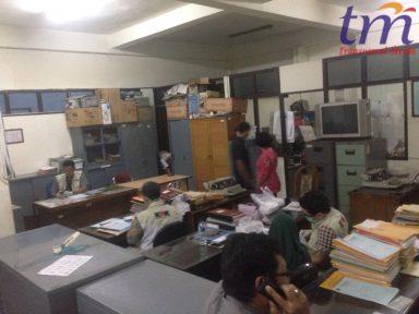 KPK Geledah Kantor Bupati Mojokerto. Selasa (24/4/2018)