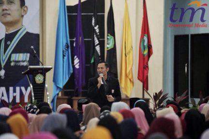 Husain dalam sambutannya pada kuliah umum yang mengundang AHY selaku Direktur Eksekutif The Yudhoyono Institute (TYI) di Auditorium IAIN Kendari, Sulawesi Tenggara, Jumat (4/5/2018) sore.