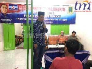 Deni Noviyanto dari Fraksi Demokrat menjawab keluhan masyarakarat pada agenda reses DPRD Kota Mojokerto