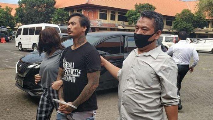 I Gede Ari Astina atau Jerinx, personal drummer Superman Is Dead (SID) di borgol Polda Bali